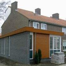 aanbouw met zorgkamer aan woning
